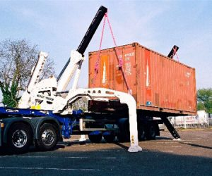 The STK35 Swing Thru container crane from King Trailers.